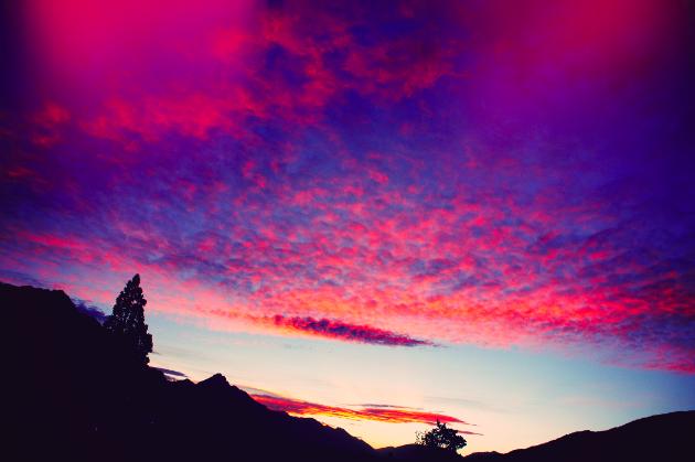 queenstown-new-zealand-sunset-beautiful-pink