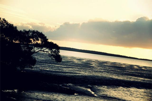 fraser island australia sunset beach