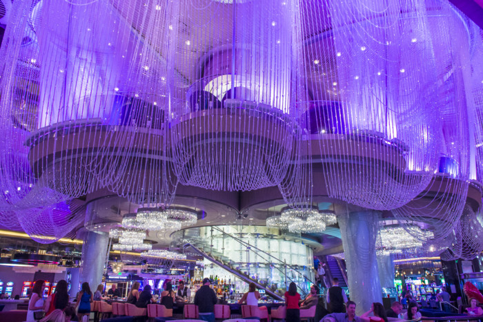 chandelier bar las vegas