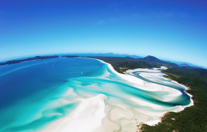 whitehaven beach hamilton island