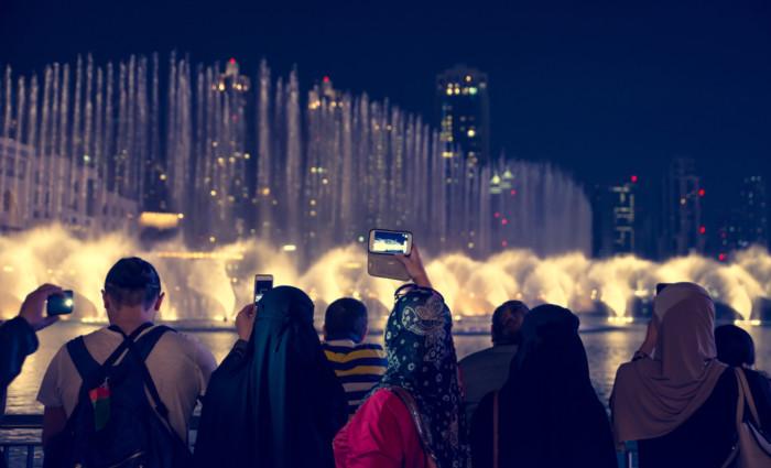 watch dubai fountains