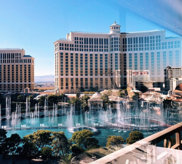 Las Vegas restaurants with a view of the Bellagio Fountains 53