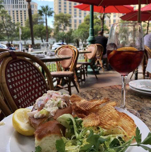 Las Vegas restaurants with a view of the Bellagio Fountains 7