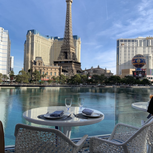 lago Las Vegas restaurants with a view of the Bellagio Fountains 5