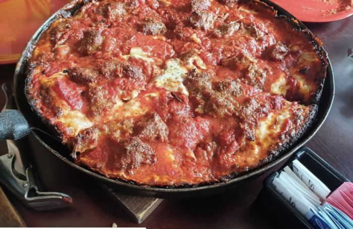 Pequod's Pizzeria pizza in chicago