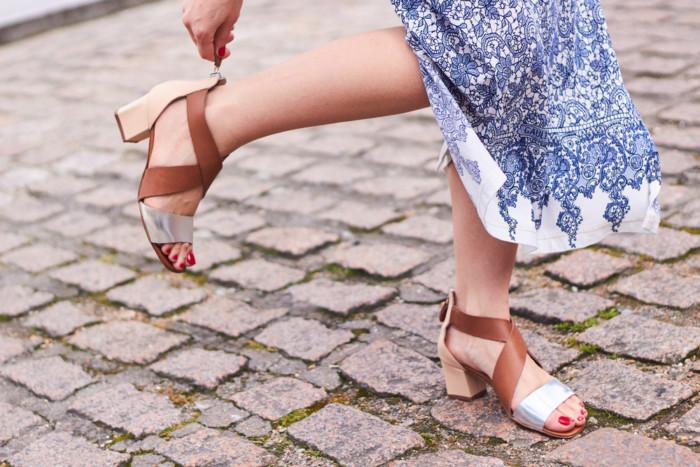 comfortable walking sandals