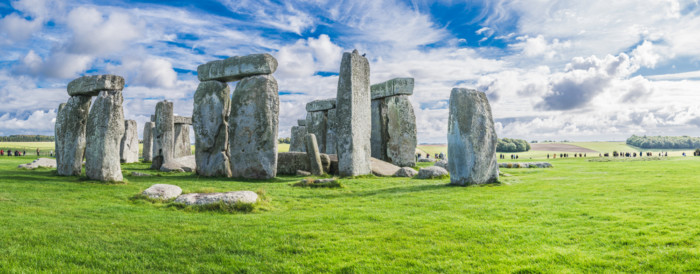 How to get from London to Stonehenge?
