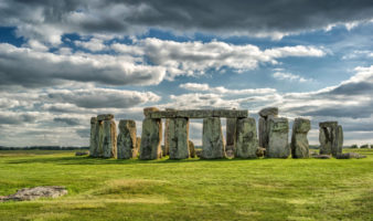 How to get from London to Stonehenge.