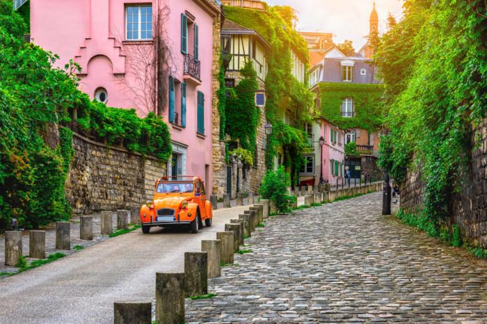 list of romantic date ideas in Paris france