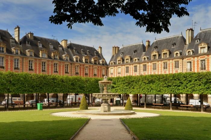 romantic date ideas in paris for couples