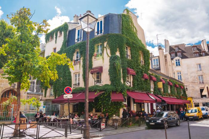 the most scenic neighbourhoods in paris