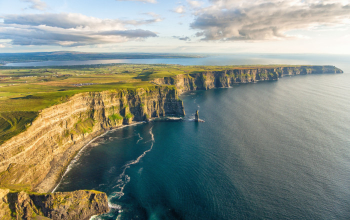 the best ways to see the cliffs of Moher in Ireland