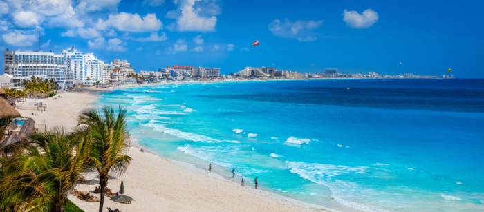warm places to travel in March cancun