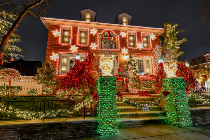 Dyker Heights christmas lights tours