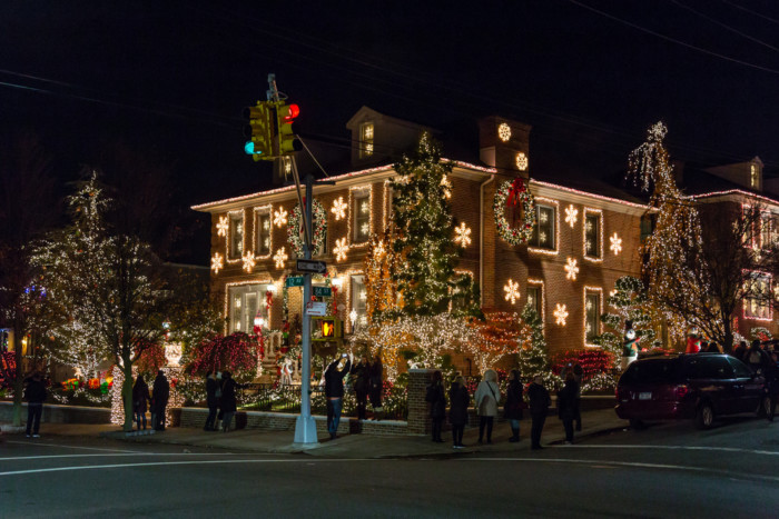 best tours of Dyker Heights christmas lights