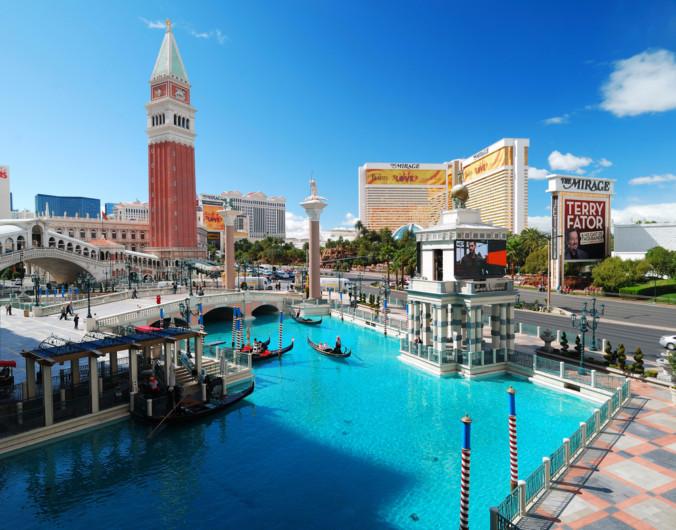 How warm is it in Las Vegas in March?