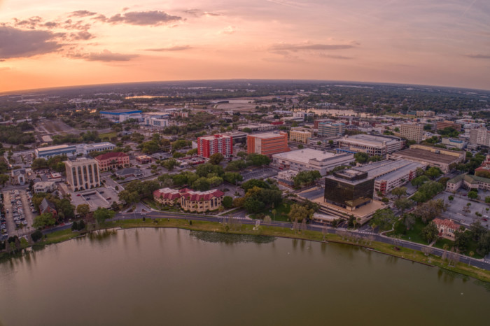 lakeland best places to retire in Florida list
