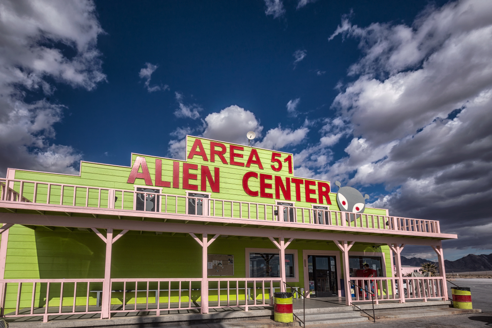 This image has an empty alt attribute; its file name is area-51-day-trips-from-las-vegas-.jpg