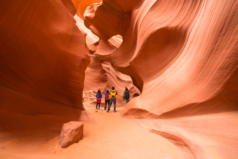This image has an empty alt attribute; its file name is best-day-trips-from-las-vegas-usa.jpg
