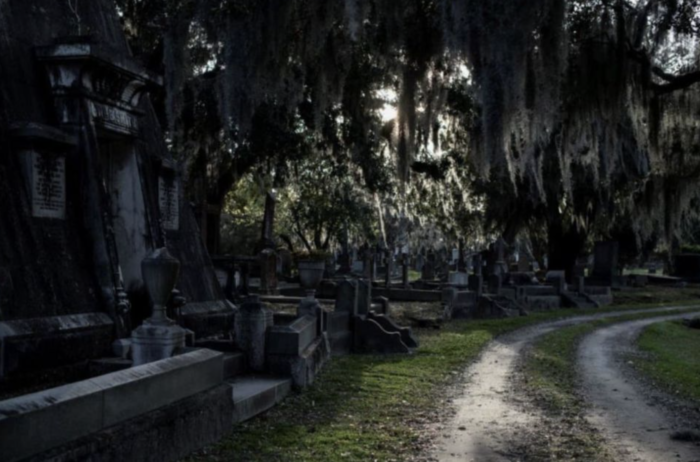 Charleston: Magnolia Cemetery Nighttime Tour