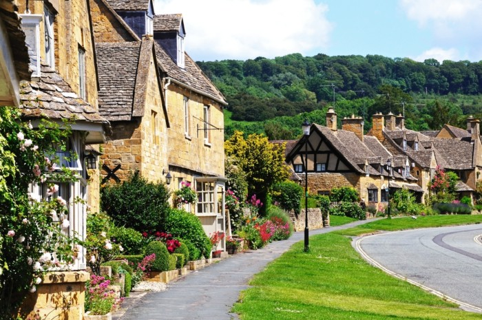 15 places to Visit in the Cotswolds
