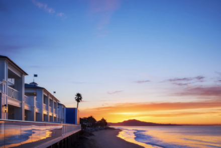 luxe-beachfront-hotels-in-California-1024x590-1