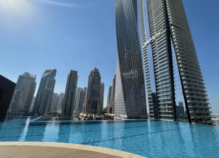 Jumeirah Living Marina Gates pool