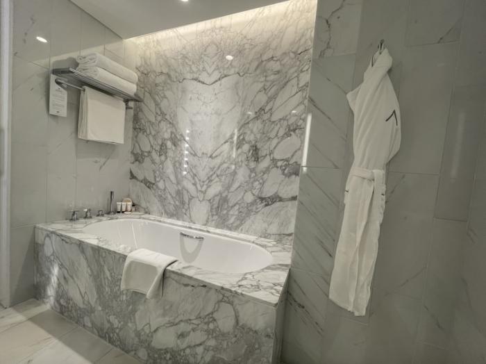 The Address Downtown Hotel bathroom photographs