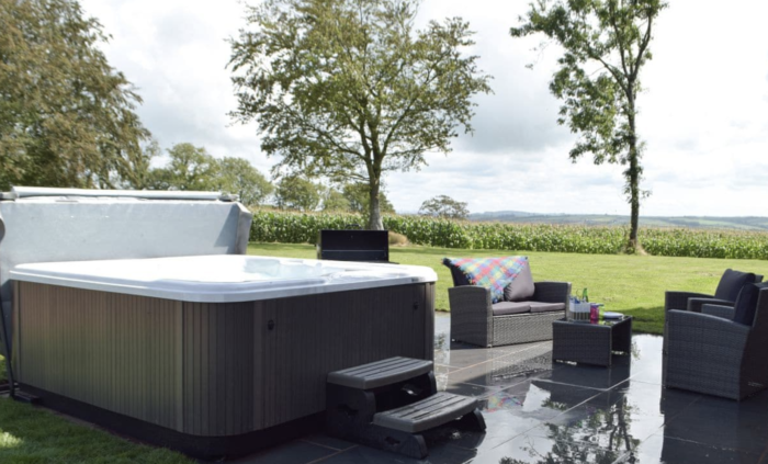 holiday lodges with hot tubs in the UK
