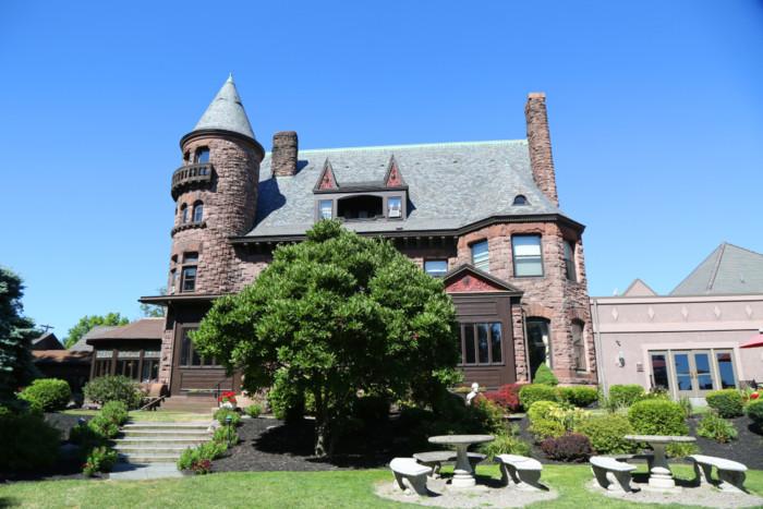 belhurst castle hotel