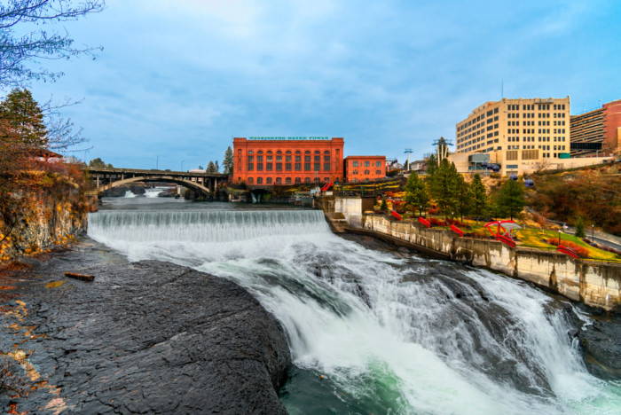Spokane Falls Spray Falls Coal Creek Falls twin Falls Snoqualmie Waterfall Beautiful waterfalls near Seattle