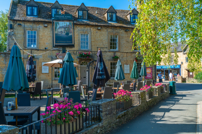 Bourton-on-the-water,,Uk,-,September,21,,2019:,Popular,With,Visitors,Bourton-on-the-water