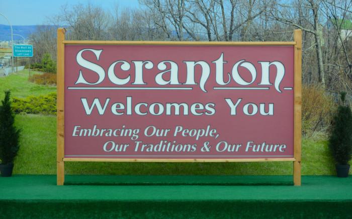 Scranton,,Pennsylvania,-,30,Oct,2019:,The,Scranton,Welcome,Sign,