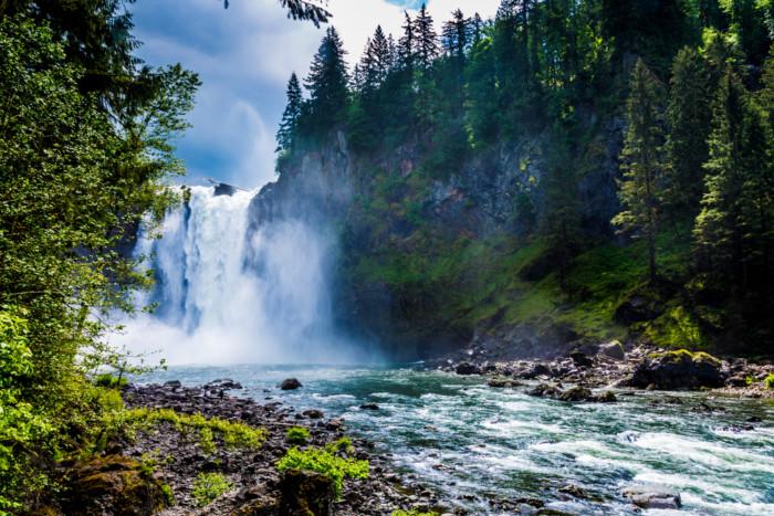 Snoqualmie Waterfall Beautiful waterfalls near Seattle