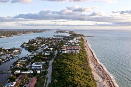 Boynton,Beach,Florida,Sunrise,Looking,North,With,The,Ocean,On